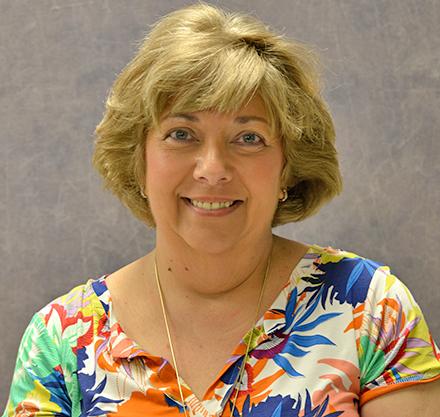 Lenette Thompson
