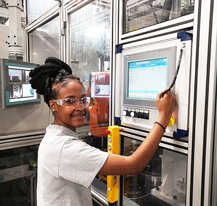 ZF Transmissions Training High School Dual-Enrolled PTC Apprentices